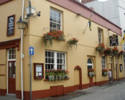Five Arches Tavern Tenby